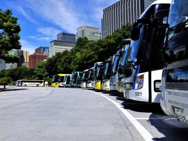 観光バス記念日とは?オススメの観光バスは?スイートルームが走る?