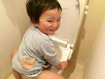 子供の便が白い6つの理由。元気でも下痢ならば要注意!